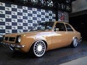 Chevette rebaixado com rodas BRW aro 17
