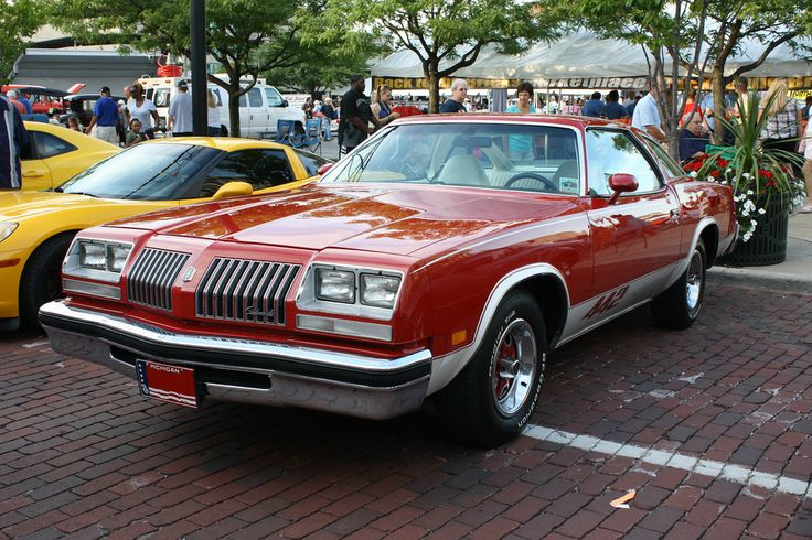 Red white hot oldsmobile cutlass oldsmobile 442 and cars for 76 cutlass salon