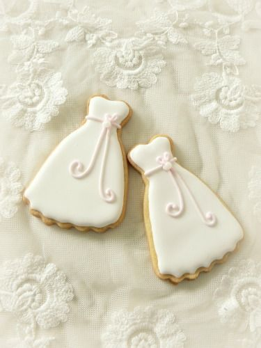 Wedding Cookies http://www.almiesbakery.nl