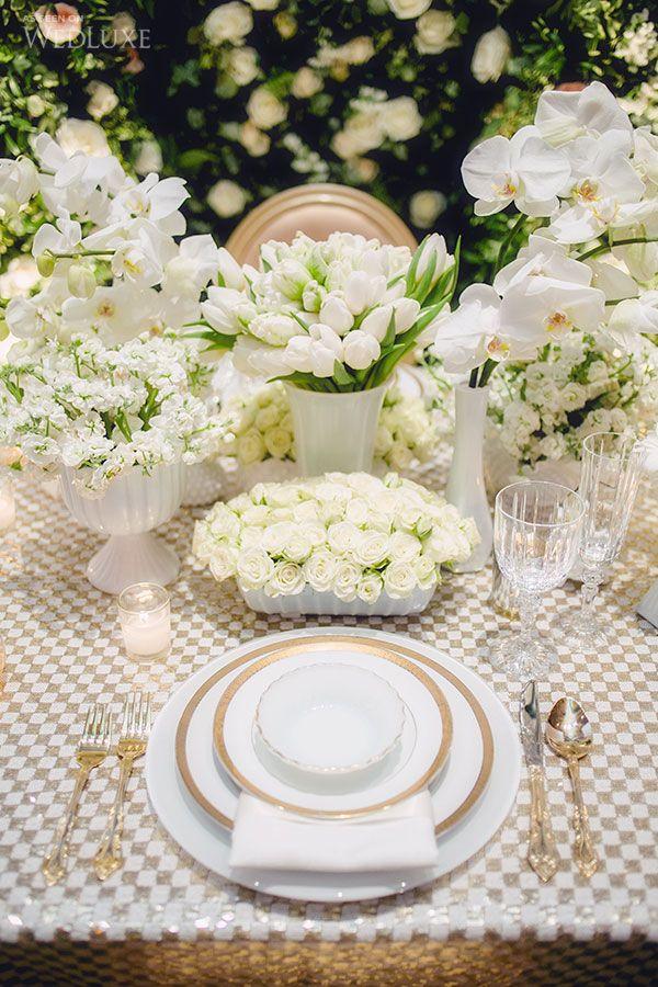 Casamento luxuoso - arranjos de flores brancas