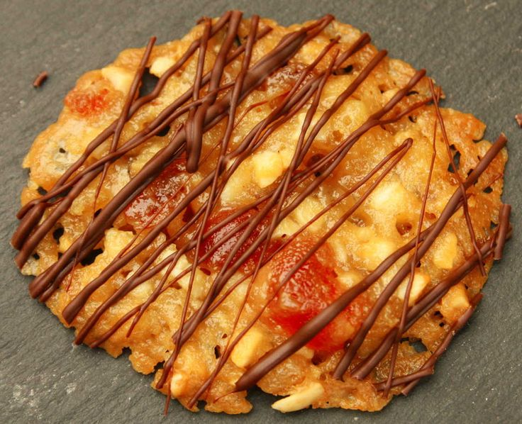 These luxuriously chewy FLORENTINES are ideal as a Christmas gift or for keeping in the biscuit tin for those unexpected guests. Lainey x