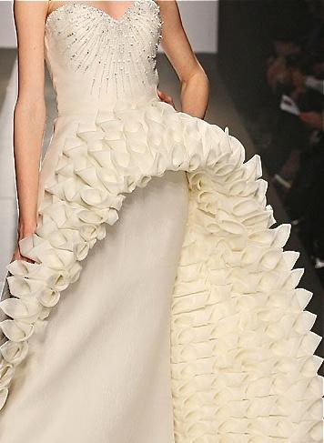 Sculptural Fabric Manipulation For Fashion Dress Design