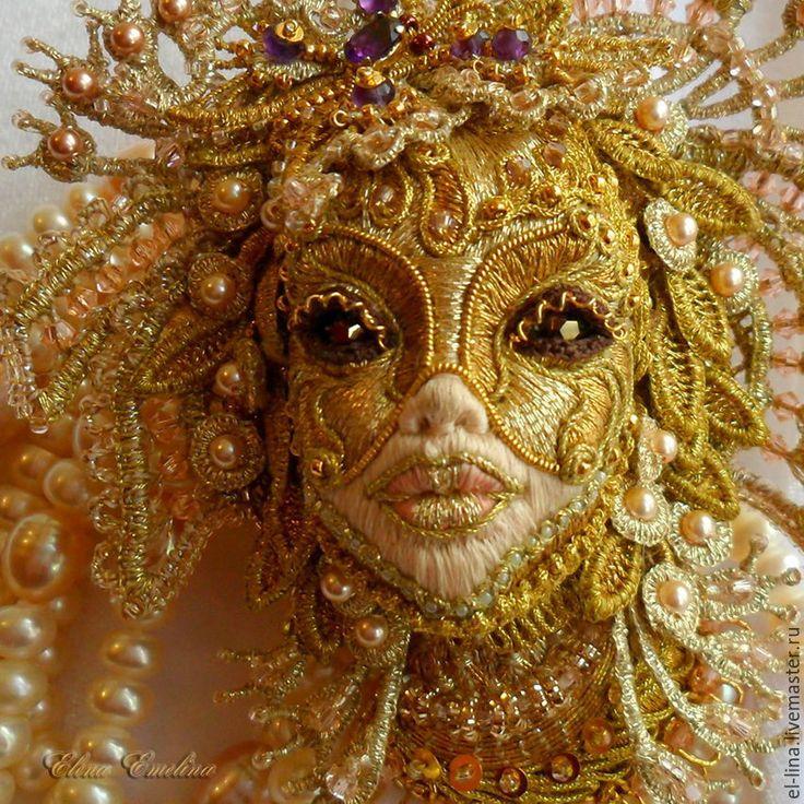 """Купить Вышитая брошь """"Маска"""" №2. - вышивка золотом, золотное шитьё, goldwork, объемная вышивка"""