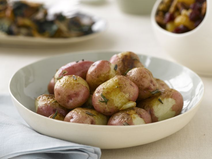 Oven Roasted Red Potatoes with Rosemary and Garlic from FoodNetwork ...