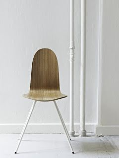 HOWE reedita la silla Tongue un clásico de Arne Jacobsen