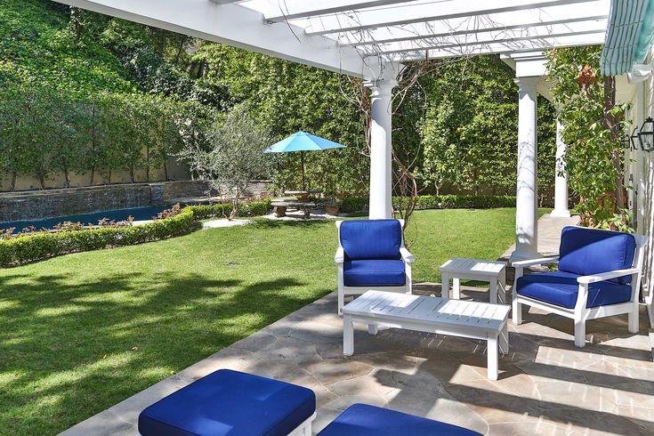 Le jardin de la luxueuse villa de Los Angeles de Sarah Michelle Gellar.
