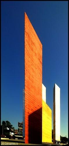 Torres de Ciudad Satelite. Goeritz