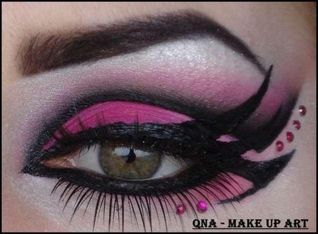 DIY Maquillage Draculaura Monster High - Idées et tutos(15)