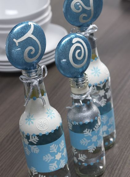 http://paintmeplaid.com/2011/12/20/tuesday-tutorial-joy-bottle-holders/