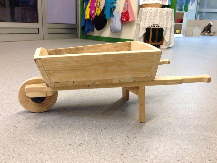 Carreto de fusta pel sorral ( fet a mà)