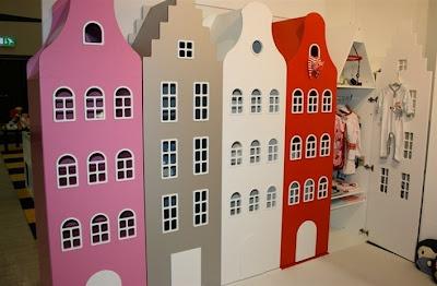 Kast van een huis: superleuke kledingkasten in de vorm van een amsterdams grachtenpand