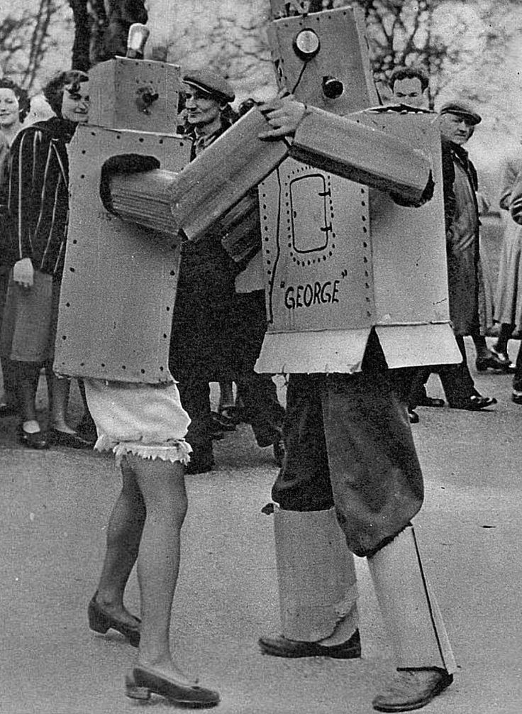 Robot dance London 1950 http://pic.twitter.com/oe4CFXDis0   Lost In History (@HistoryToLearn) December 3 2017