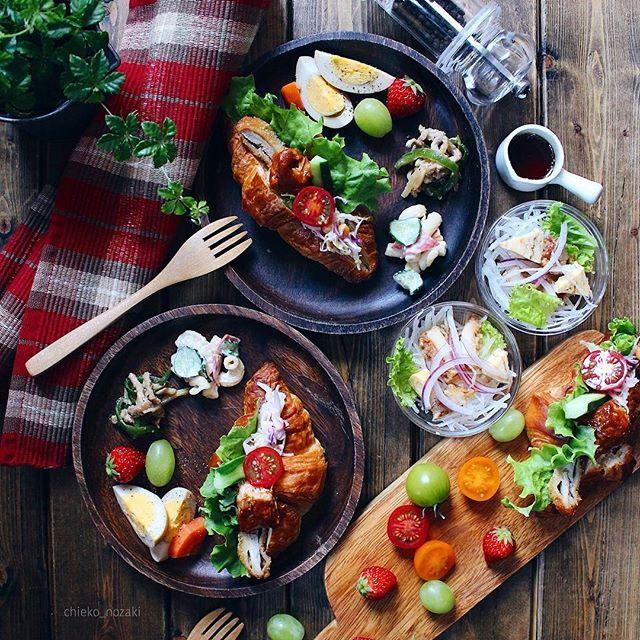 **楽チン♡***作り置きしておいた常備菜で 晩酌〜。*この他にサーモン、ニシン、つぶのお刺身、そしてニシン漬け。 しじみの味噌汁。 昨日の残り物。笑*旦那さんはビールとともに。私は大好きなハイボールで。* 明日もお仕事頑張ろう。*#常備菜#作り置き#暮らし#おうちごはん#ワンプレート#food#cooking#onmytable#onthetable#foodphoto#foodpics#foodart#eat#handmade#homemade#homecook#canon#yummy#yum#instapic#instafood#vscocam#vsco#vsco_food#vscofood#delicious#LIN_stagrammer#delimia#デリミア