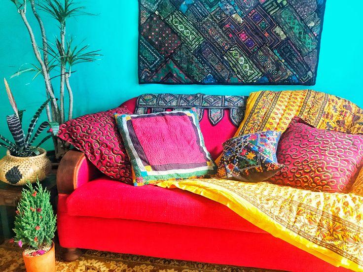 Couch Dressing #colourboxcushion #jaipurirazaiquilt #toran #boho #behemiandecor #colourpop