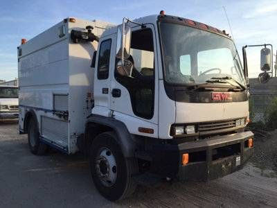 2002 GMC T7500 Enclosed Utility Service Truck – UnderMount (Island Park) $18495