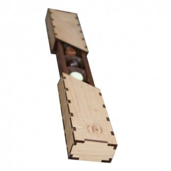 Konvehtirasia puukuorilla 90 g. Hinta 22€