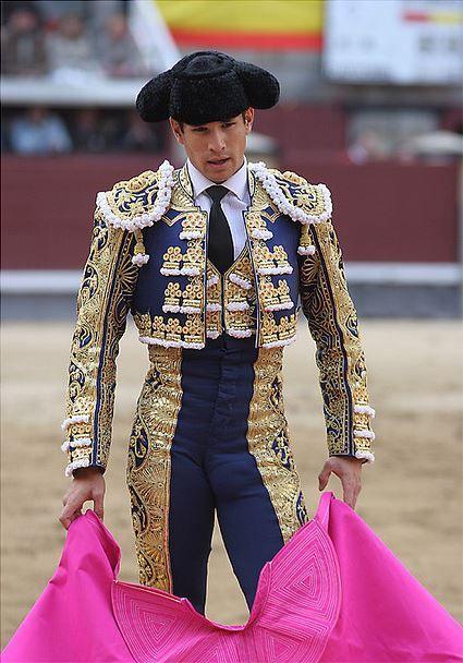 sexy matador / torero ( bullfghter )