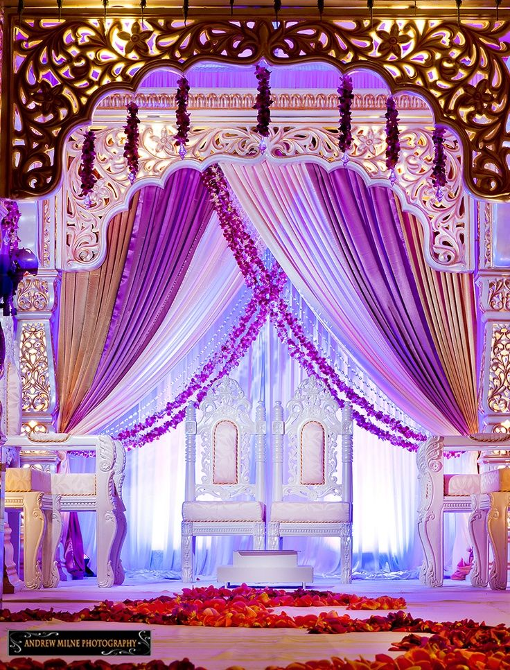 14 best images about modern mandap on pinterest purple for Arab wedding stage decoration