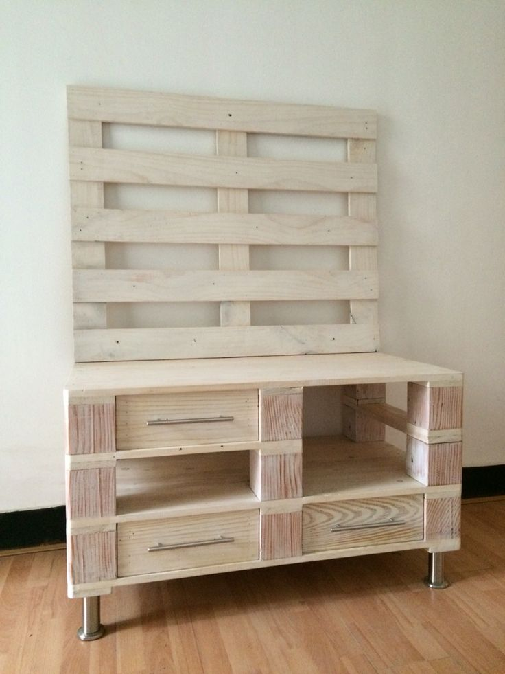 Pallet wood TV table.