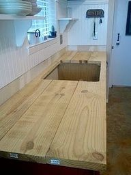 diy wood counter tops..just what I've been looking for! (YES,EVEN THIS CAN BE DONE WITH PALLETS ! JUST USE SHORT BOARDS,A LOT OF THEM ! AT A RIGHT ANGLE TO HOW YOU SEE THESE PLANKS USED.):