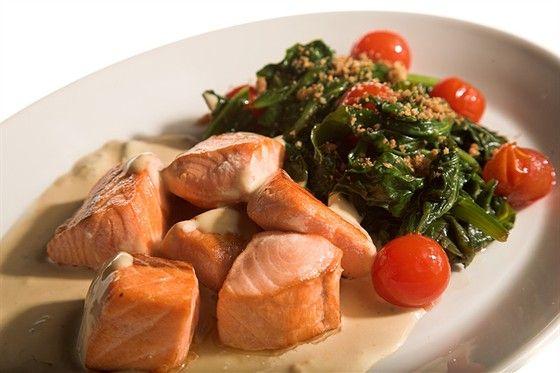 Diet recipe. Salmon in tomato-honey sauce http://goo.gl/sCS53K