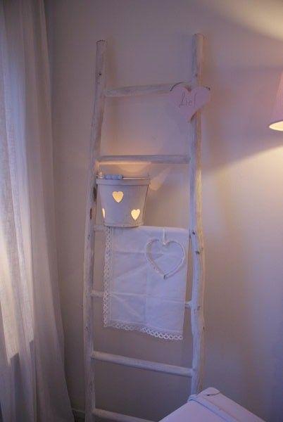 witte houten ladder