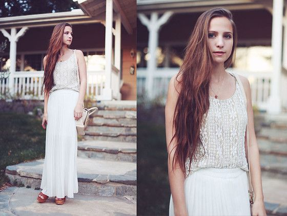 digging the white and the long skirt