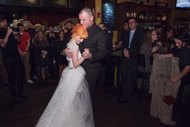 The Photos From Hayley Williams & Chad Gilberts Wedding Will Warm Your Emo Heart