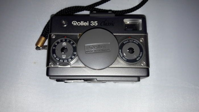 The Rollei 35 Classic Platinum Sonnar 2,8/40mm  every thing works!!! Additional Information Model	Rollei Type	35 Classic Titan Serial Nr.	6100163 Condition verry nice looks like new no scratches This is the Rollei 35 Classic Platinum, produced by Rollei Germany from May 1992 until the end of 1997. A total of only 1120 cameras was made. All parts of this camera are Platinum plated with the exception of  the shutter release button and lens release switch in 18K gold plating and the lens ba...