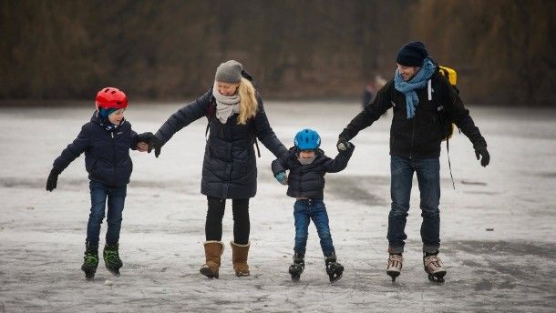Eltern mit Kleinkindern, die beide Vollzeit arbeiten, sind in Deutschland sehr selten.