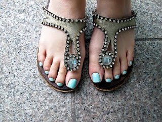 Cool sandals and mint toe nail polish #SephoraColorWash  #sephora  #colorwash