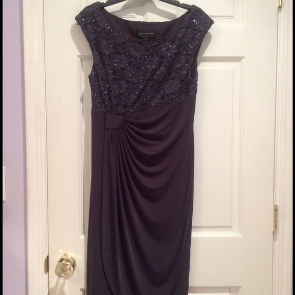 Short dark grey dress with sparkly top Amazing dress looks so good on!!! Great for weddings or black tie! Dresses Prom