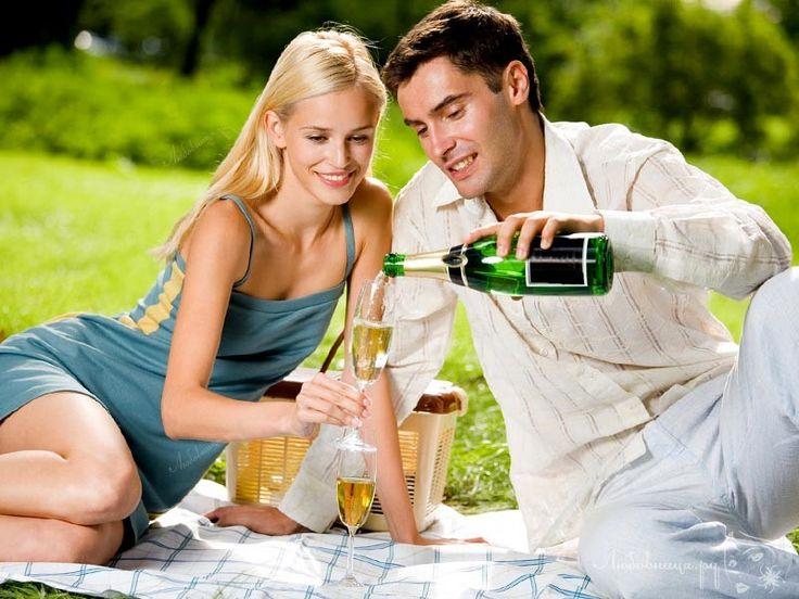 Для того что бы впечатлить девушку многие мужчины стараются делать необычные свидания. Какие варианты незабываемых свиданий знаете вы? http://ogate.ru/svidaniya/282-kak-ustroit-nezabyvaemoe-svidanie-devushke.html