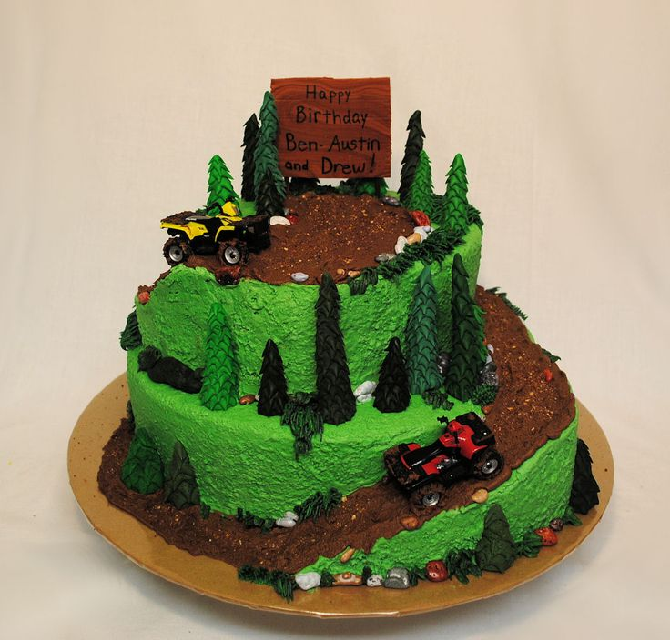 ATV mudding - BC icing, fondant trees and RKT for the ramps
