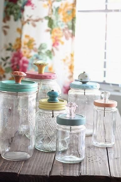 Best DIY Projects: Painted mason jar lids with pretty knobs, easy DIY and a great way to upcycle old jars!