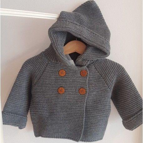 Queda la talla 9 meses, trenka de punto gris Precio rebajado 26,43€ Disponible en el siguiente enlace http://latitaloca.com/es/rebajas-ropa-yoedu/3010-trenka-bebe-capucha.html