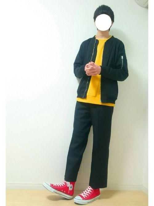こういうモノトーンに指し色が好きです この黄色スウェットはSHUN君が着ててカッコよかったので買いま
