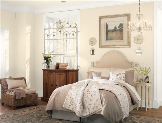 Benjamin Moore Muslin is a nice warm cream and neutral paint colour. Shown in country style bedroom by Benjamin Moore