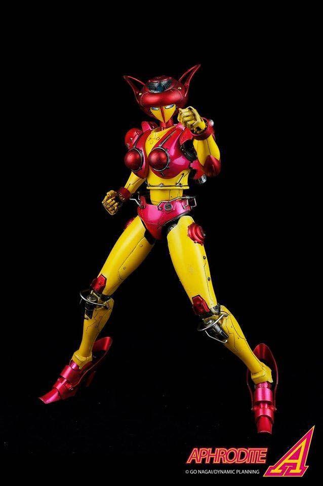 Figura Afrodita A 38 cm. Con luz. Mazinger Z. ThreeZero Impresionante figura articulada del robot femenino Afrodita A de 38 cm perteneciente a la exitosa serie de TV de los años 70 Mazinger Z.