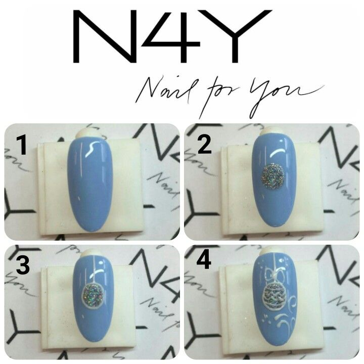 Blue and white christmas nailart step by step. Nail holo foil with handpaintet gelpolish nailart.