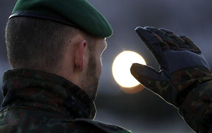 Vor dem Nato-Gipfeltreffen in Brüssel hat Bundesaußenminister Sigmar Gabriel die Beteiligung der Allianz an Kampfhandlungen gegen die Terrormiliz Islamischer Staat (auch IS, Daesh) kategorisch ausgeschlossen.