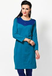 Flaunt sartorial elegance wearing this kurta in blue colour from the house of Aurelia. Exclusively designed, this kurta with regular fit will enhance your curves and the soft acrylic will keep you comfortable.