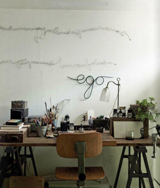 Une jolie phrase en fil de fer sur le mur pour faire de beaux rêves ...