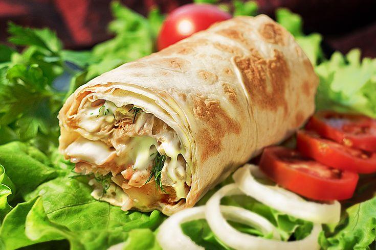 Изначальношаурмойназывалось туркменское блюдо, которое было придумано степными пастухами. Вареное мясо сайгака или джейрана мелко рубили и помещали в желудоктой самой нашинкованнойзверушки. После…