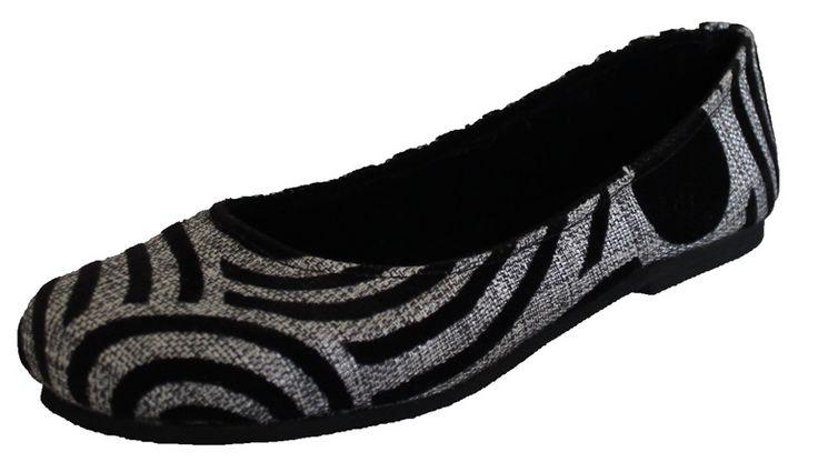 Ballerina's, ontworpen door schoendesigner Gabriel Mollel uit Tanzania