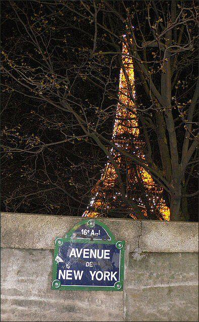 L'avenue de New-York  (Paris 16ème).  L'avenue de New York aux pieds de la tour Eiffel, c,est pas génial? ou vice et versa...