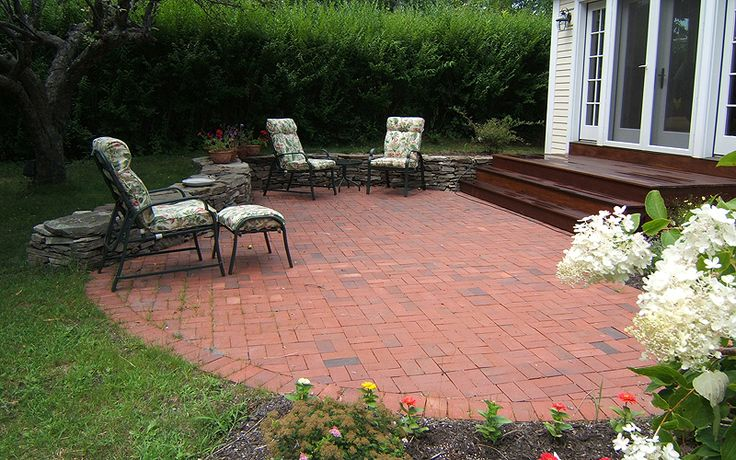 Circle Brick Patio Design Ideas