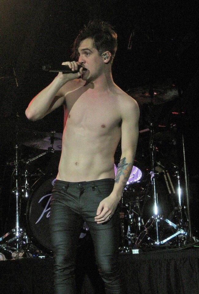 Brendon Urie. I was at this concert!!! Milwaukee <3