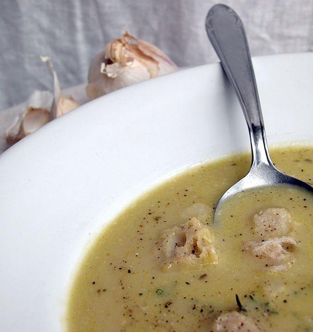 Zuppa di 22 spicchi d'aglio   http://www.ilpastonudo.it/minestre-e-zuppe/zuppa-di-22-spicchi-daglio/