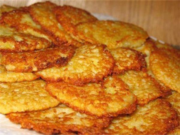 Драники из черствого хлеба - необычайно вкусно!